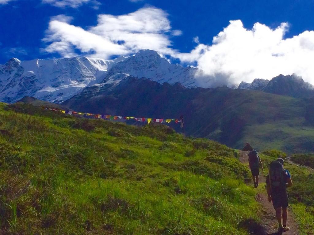 way-to-the-paradise-kangshar-nepal